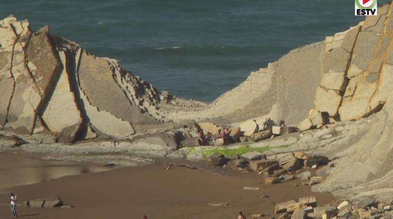 Sopela: Olas y Surfistas playa de Barinatxe