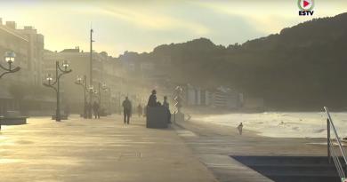 ZARAUTZ: Skate y Surfistas en la playa