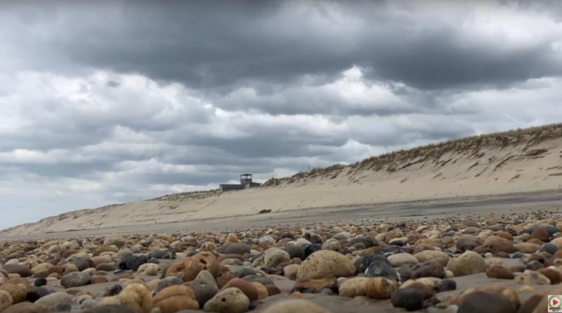 La Plage Naturiste en Hiver - Montalivet Surf TV