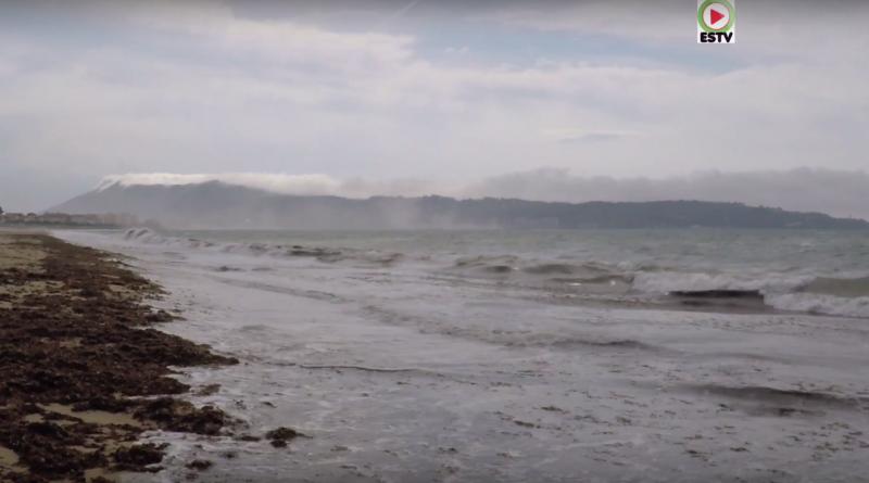 Enbata ce vent chasse les plagistes - Hendaye Surf TV