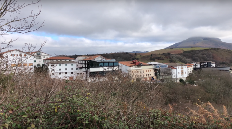 Le Col d'Ibardin en Hiver 4K - Euskadi Surf TV