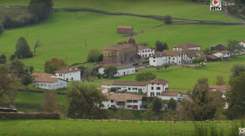Bidarray: Le Village Basque - Euskadi Surf TV